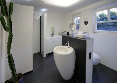 badsanierung teilsanierung - bad mit gegensaetzen1