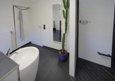 badsanierung teilsanierung - bad mit gegensaetzen2